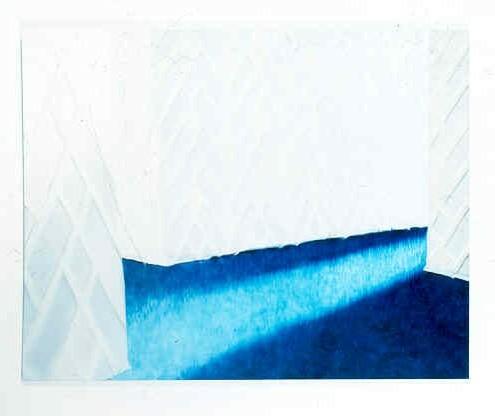 Weiße Tapete, Blauer Teppich
